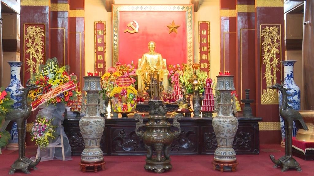 Tưởng nhớ Chủ tịch Hồ Chí Minh