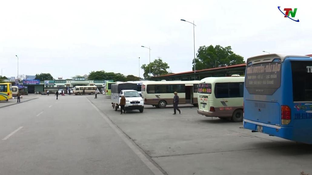 Vận tải hành khách tuyến cố định gặp nhiều khó khăn