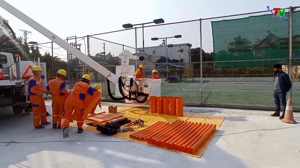 Công ty Điện lực Thái Nguyên đưa đội sửa chữa điện Hotline 22kV vào hoạt động
