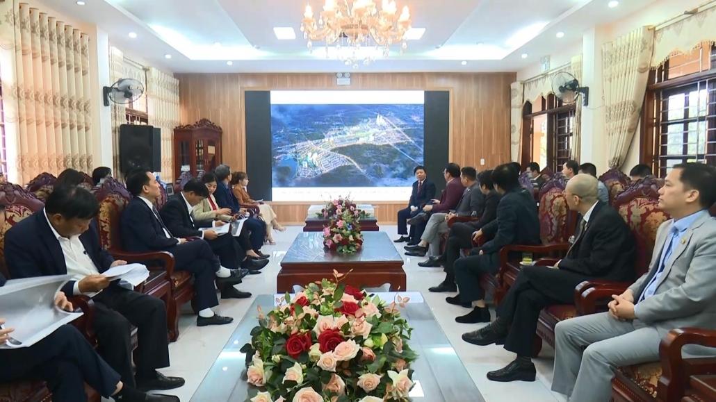 Đồng chí Chủ tịch UBND tỉnh làm việc với nhà đầu tư tại thị xã Phổ Yên