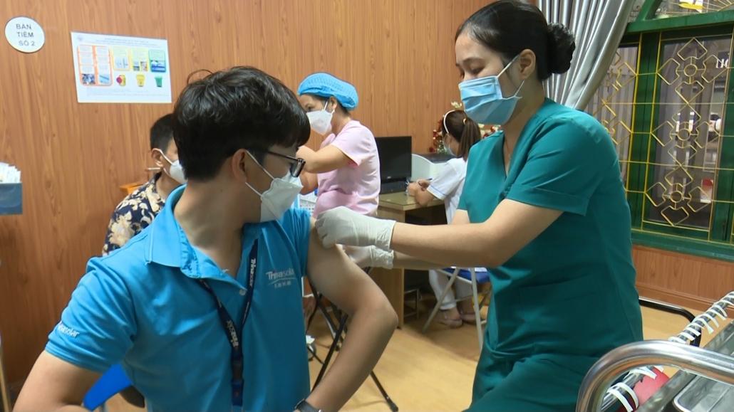 Trên 250 công dân Trung Quốc được tiêm vắc xin phòng COVID-19