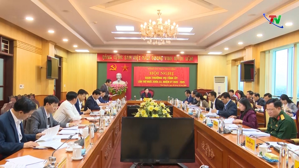 Khẩn trương tổ chức quán triệt, triển khai thực hiện Nghị quyết Đại hội Đảng bộ tỉnh lần thứ XX
