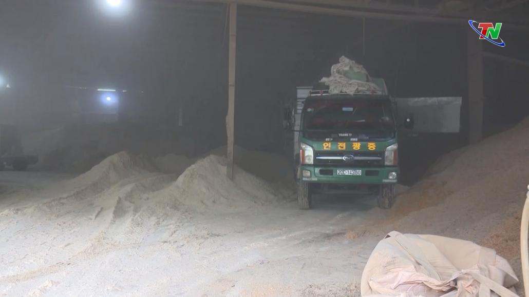 Phú Lương: Cơ sở sản xuất gỗ ép mùn cưa gây ô nhiễm môi trường