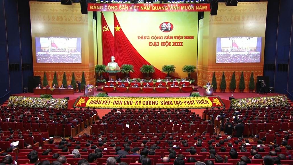 Đại hội XIII của Đảng thảo luận các văn kiện tại Hội trường